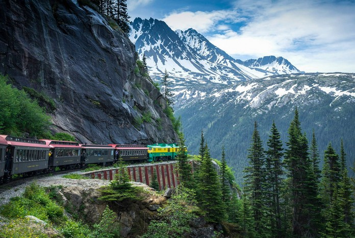 Top 10 Most Beautiful Train Rides In America