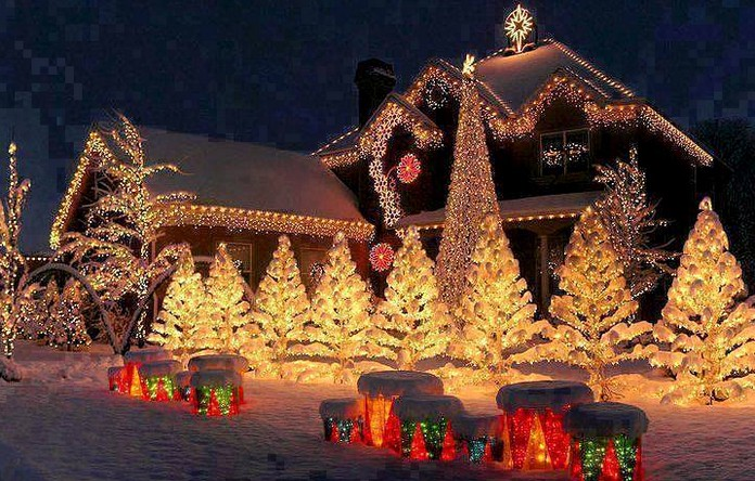 there are shops called christmas shops that only sell christmas decorations and toys all the year round in hawaii santa is called