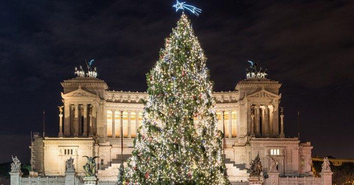 「rome christmas tree 2017」の画像検索結果